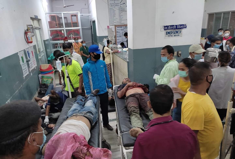 बाँकेको कोहलपुरमा सवारी दुर्घटना : ५ को मृत्यु ३ं७ घाईते