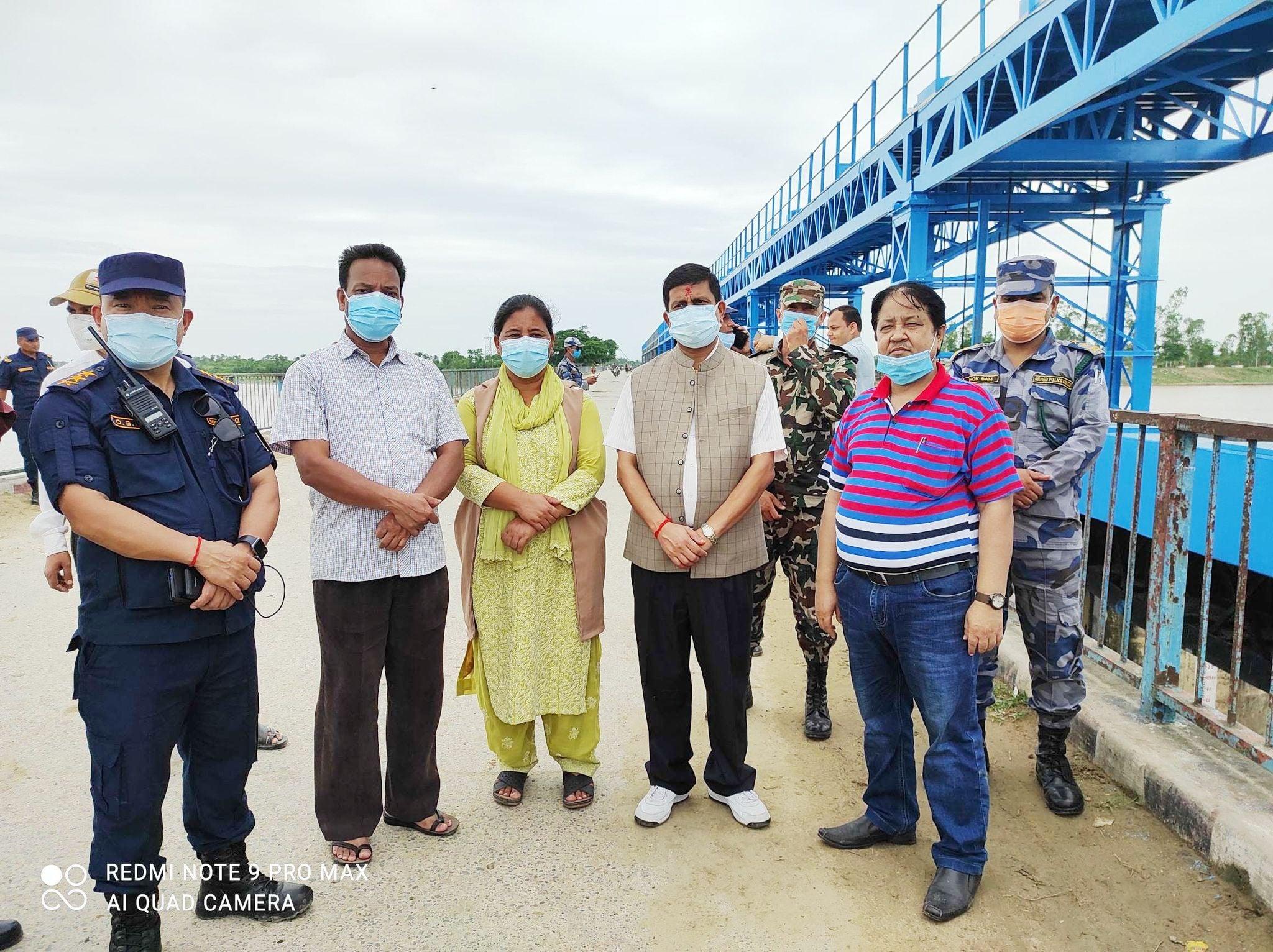 सांसद र बाँकेका सुरक्षा प्रमुखद्वारा लक्ष्मणपुर बाँध अवलोकन